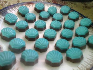 look blue...