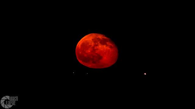 wschód Księżyca nad Morzem Sródziemnomorskim