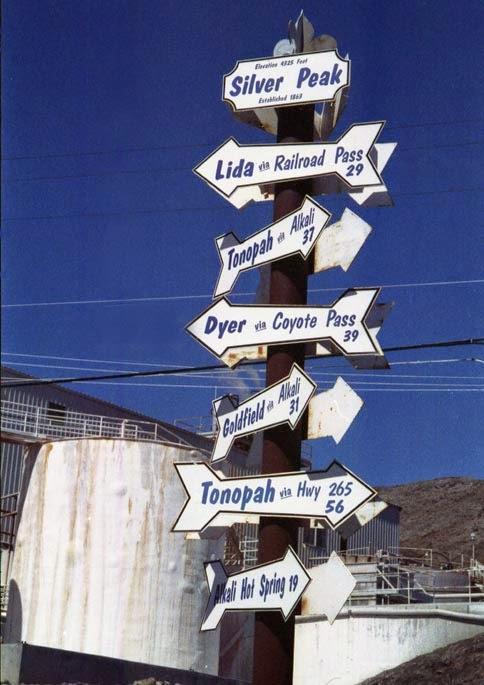 Silver Peak, NV and Tonopah, NV signs