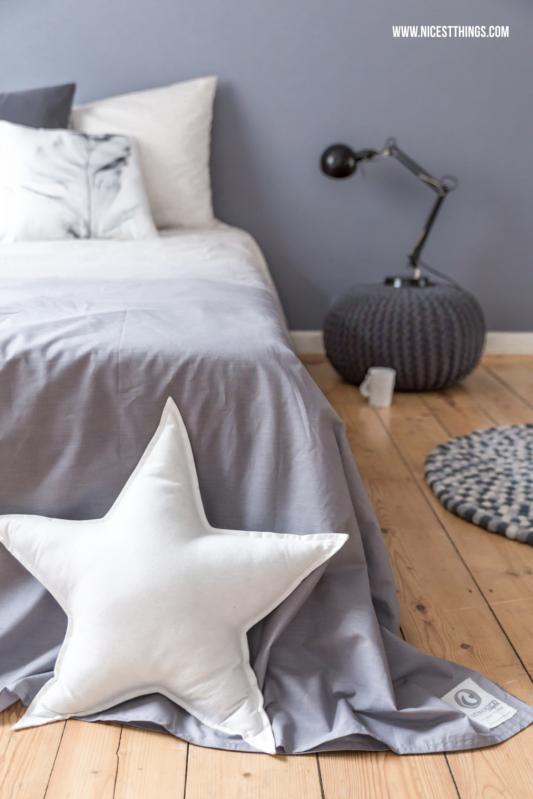 schlafzimmer blau grau filzkugelteppich dip dye bettwsche und schlafzimmer roomtour