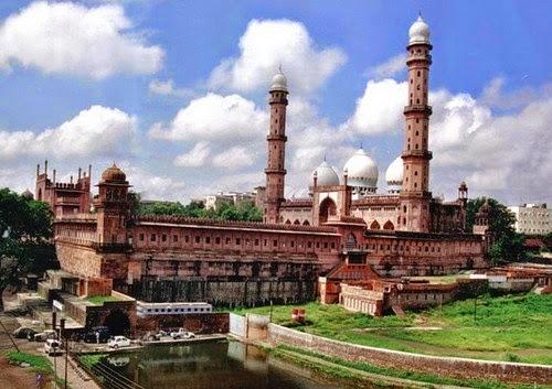 Masjid Tajul  – Bhopal, India