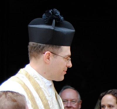 Children's Activities on Vestments of Catholic Priests ...