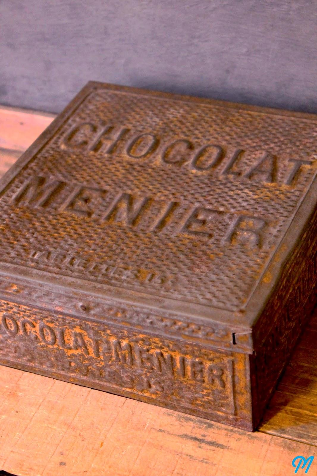 Bouteilles anciennes moules de chocolatier tampons d 39 colier marinette vintage blog - Boite metal ancienne ...