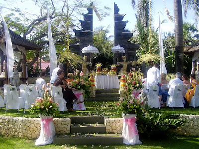 Basic wedding decorations ideas in bali wedding decoration ideas outdoor wedding decorations bali junglespirit Image collections