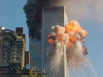 http://4.bp.blogspot.com/-p_GbSMcLrDI/TkTOrJQIB3I/AAAAAAAAARA/LzkvkOqK_dA/s1600/World-Trade-Center-Attack.jpg