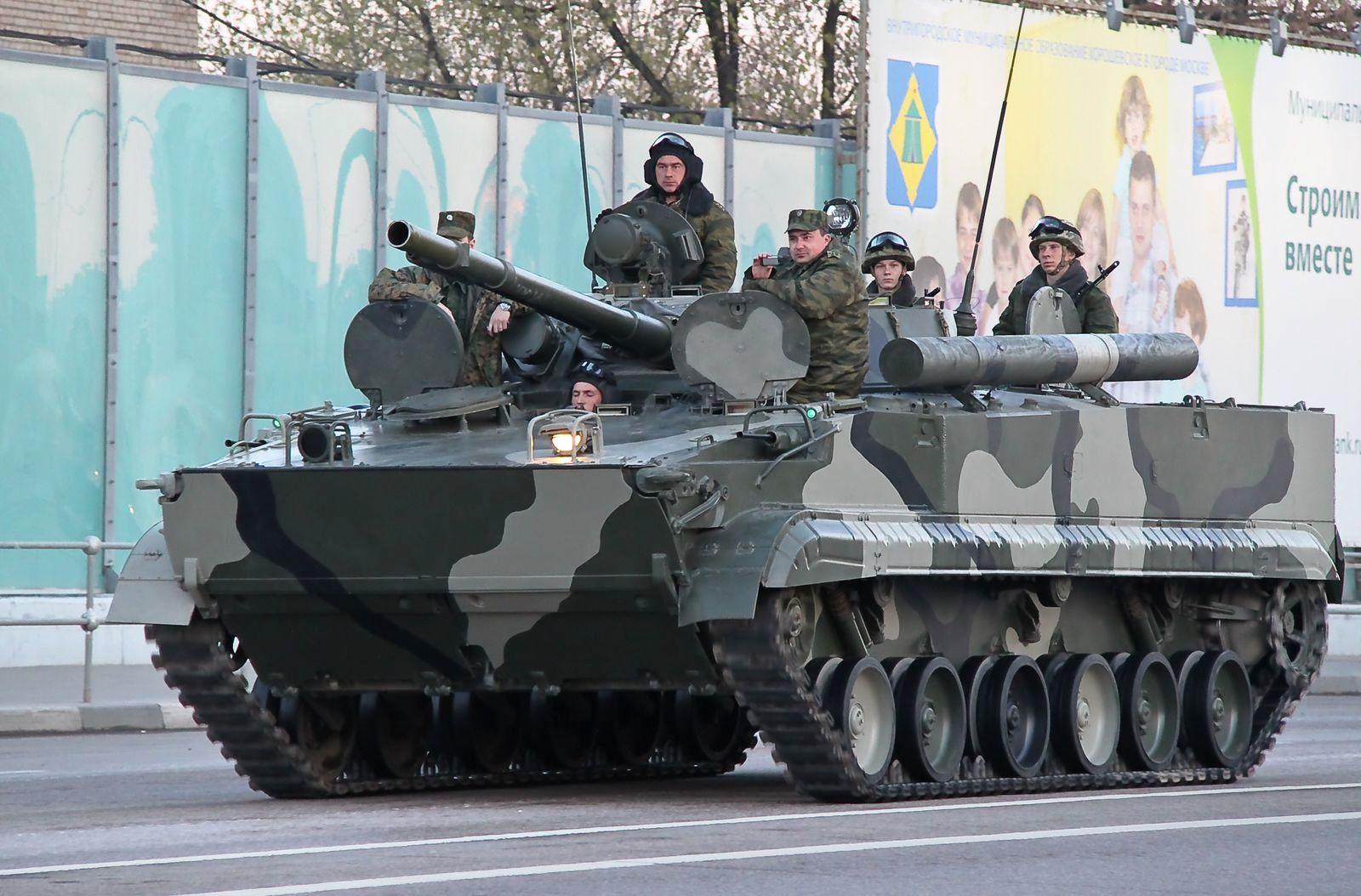 Новый бронетранспортер БТ-3Ф