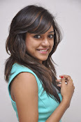 Vithika Sheru Glamorous Photo Shoot Gallery-thumbnail-6