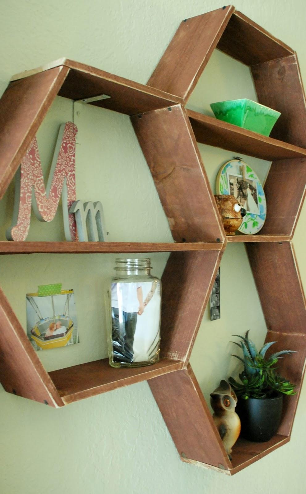 Honeycomb shelves house : Honeycomb display shelving