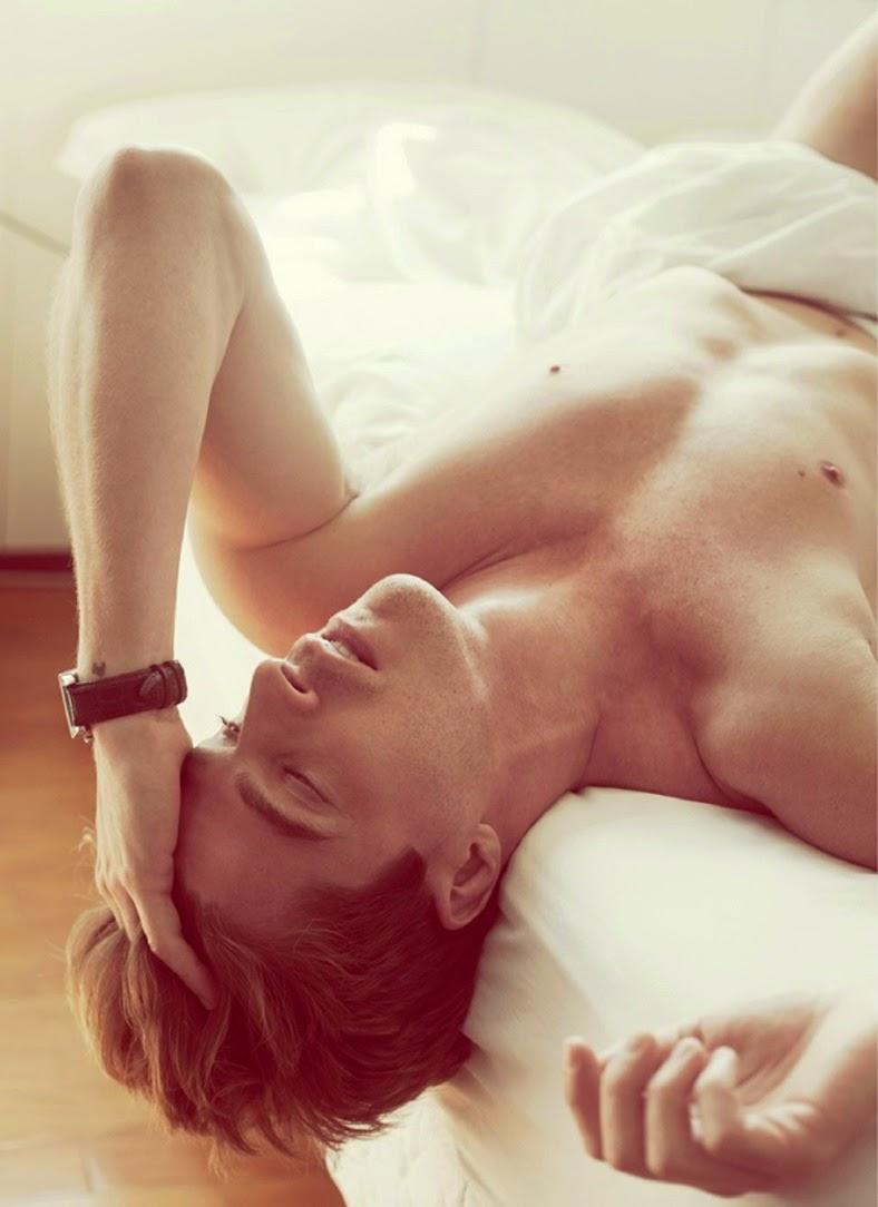 Tiago Gaiotto nudo