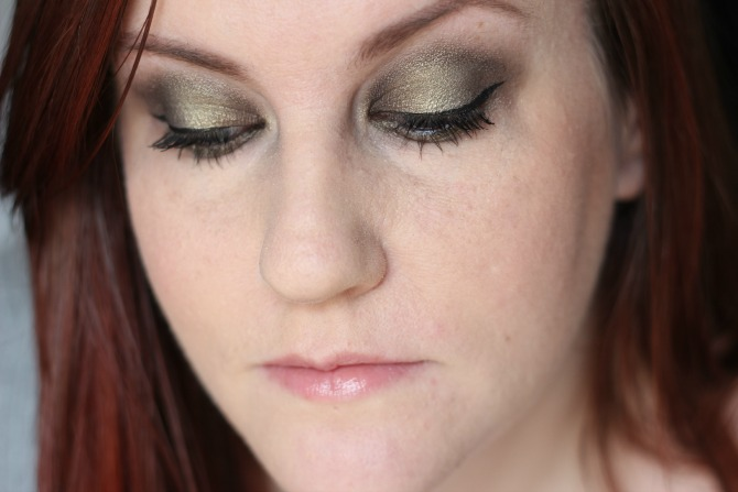 Neve duochrome palette on the eyes
