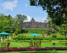Candi Borobudur dari hotel Manohara