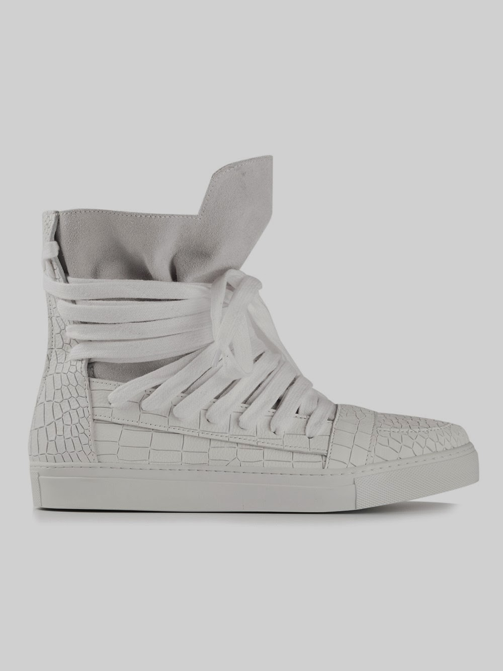 http://www.henrikvibskovboutique.com/shopping/men/kris-van-assche/shoes-2/items.aspx?userd=1