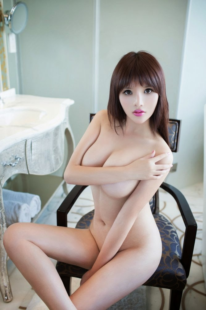 Beautiful babe with no boobs take care of this thick dong before fucking 8