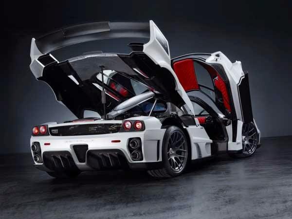 Foto Mobil Ferrari Enzo White Style
