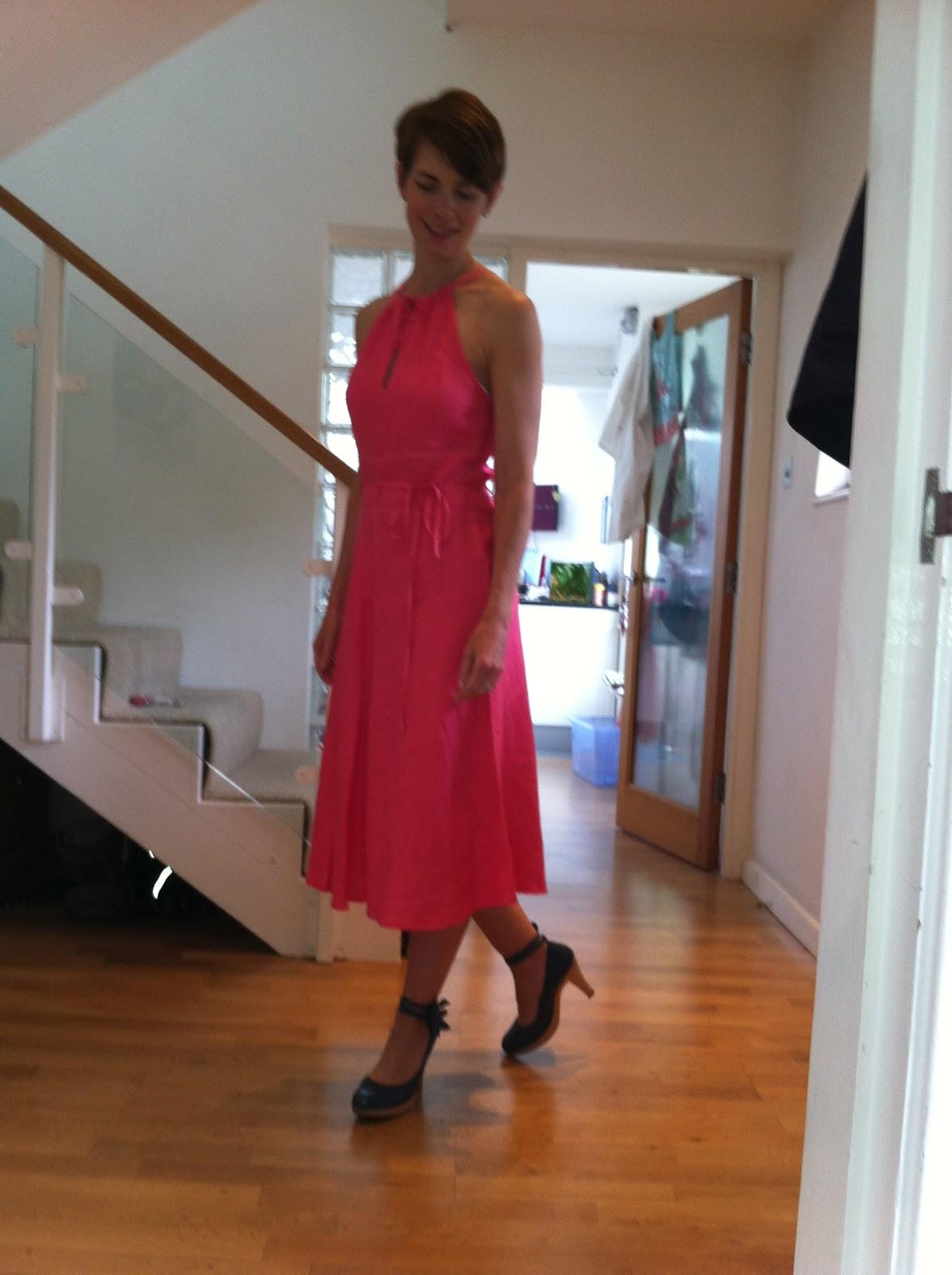 http://4.bp.blogspot.com/-paPE_pK7psw/UA18yEAmOUI/AAAAAAAACuI/h6GnFZeSxXI/s1600/oasis+dress+017.JPG