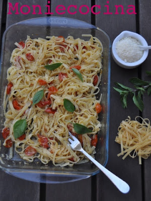 fetuccini con tomates asados