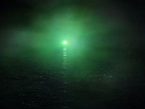 Great gatsby symbolism essay green light