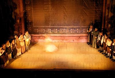 ΠΡΑΓΑ:  Το Θέατρο των Τάξεων
