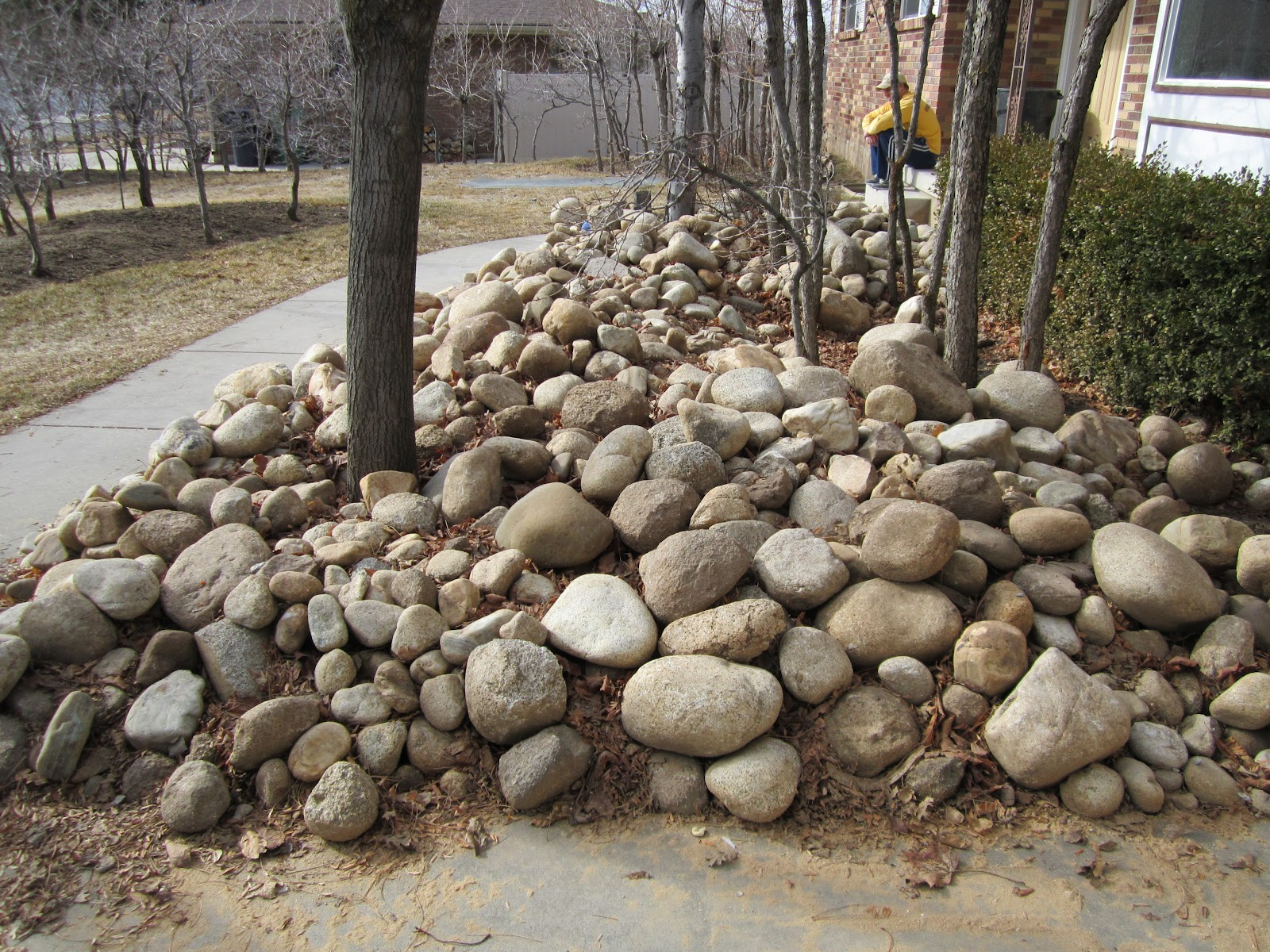 Free landscape rocks and fill dirt for Landscaping rocks