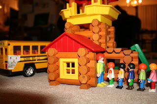 School play with Lincoln Logs & Playmobil (by William 6yo)