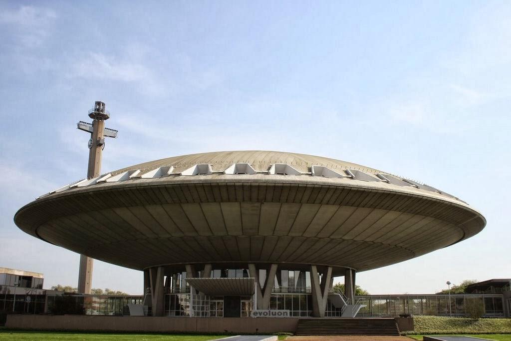 , telah menjadi landmark dan simbol untuk kota. Bangunan ini unik ...