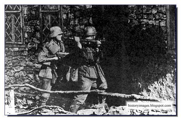 Slutz, Belarus. Hunting for Jews Einsatzgruppen Nazi exterminators