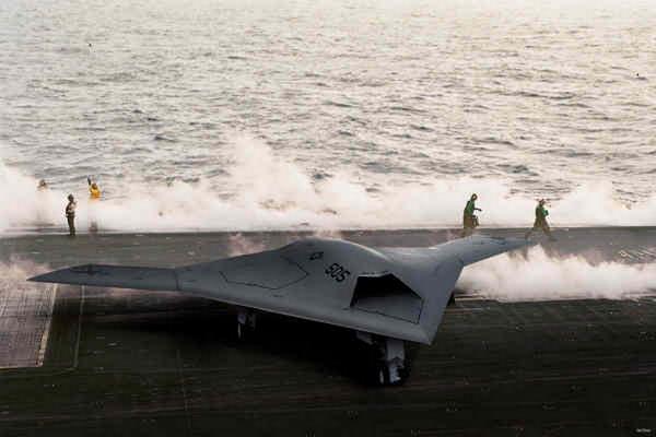 http://4.bp.blogspot.com/-pbPFa1VWGmc/TdpuJ8tiipI/AAAAAAAAAxQ/Ou9EA4St1H0/s1600/Lockheed-Martin-RQ170-Sentinel-2.jpg
