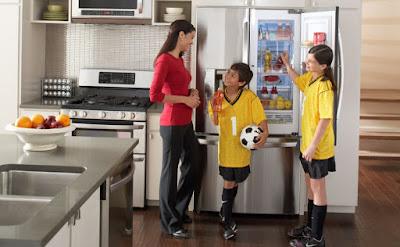 Nguyên nhân vỏ tủ lạnh Hitachi bị nóng và cách khắc phục
