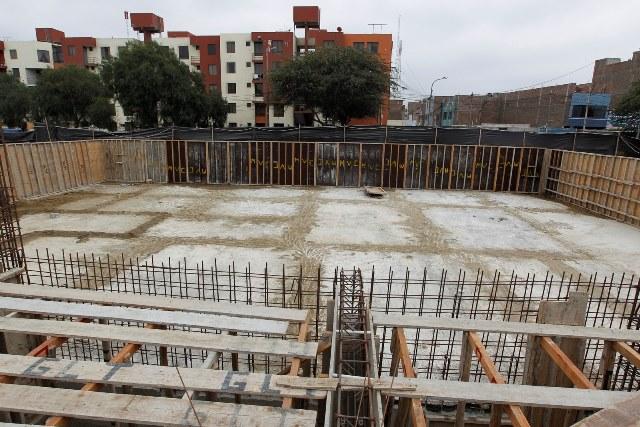 Inspeccionan trabajos de la piscina de calentamiento for Construccion piscina temperada