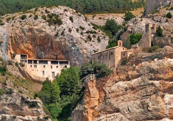 Senderos de huesca pr hu 110 de ani s hasta la ermita de la virgen de la pe a - Casa rufino bolea ...