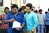 Akhil Movie Working Stills-thumbnail-6