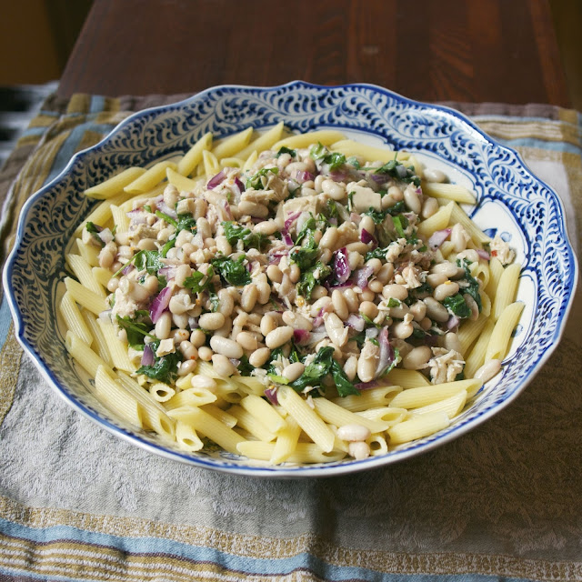 Tuna White Bean Pasta Salad- simplelivingeating.com