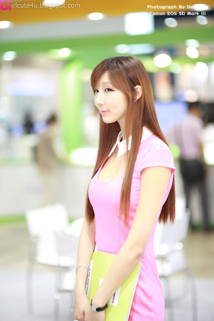 4 Lee Yoo Eun at SIDEX 2012-very cute asian girl-girlcute4u.blogspot.com