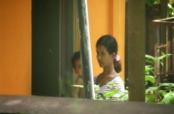 Nai Nalagana (Nirosha Wimalarathna) arrested after trying to sell her kid