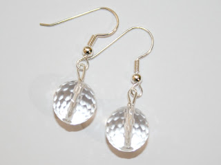 http://www.perles-nature.com/boucles-d-oreilles/1667-boucles-d-oreilles-cristal-de-roche-facette-la-paire.html