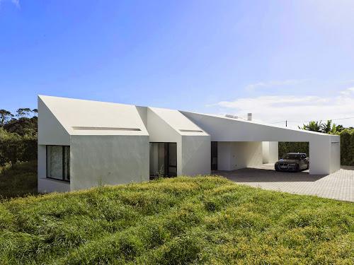 Rosto Do Cão House by M-Arquitectos