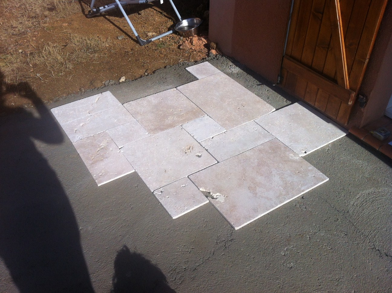 blog as de carreaux: tutoriel de pose dallage en travertin petit ... - Comment Carreler Une Terrasse Exterieure