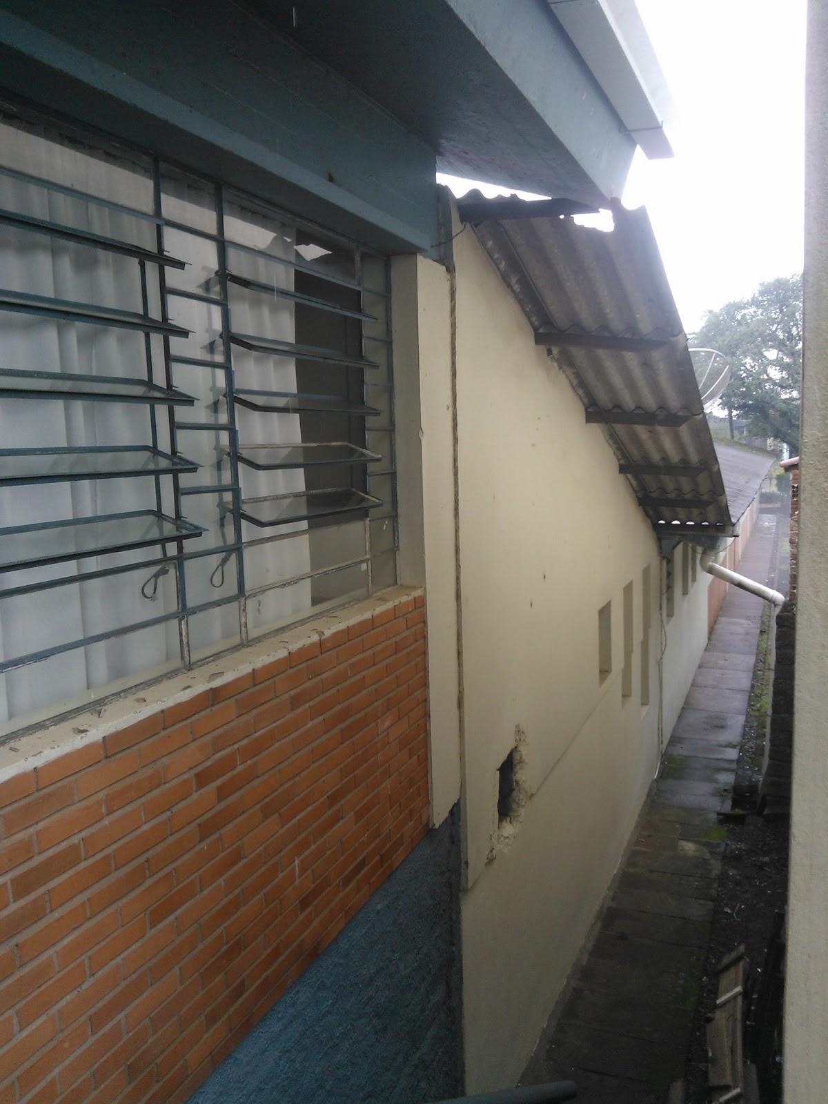 água desperdiçada na pai do banheiro masculino !!!: Fotos do Projeto #65442D 1200 1600