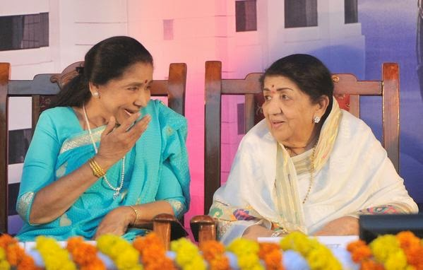 Lata Mangeshkar and Asha Bhonsle come together after 30 years