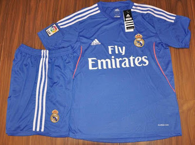 Foto Seragam Jersey Real Madrid Away 2013 2014 Foto Kostum Jersey Real Madrid Terbaru 2013 2014