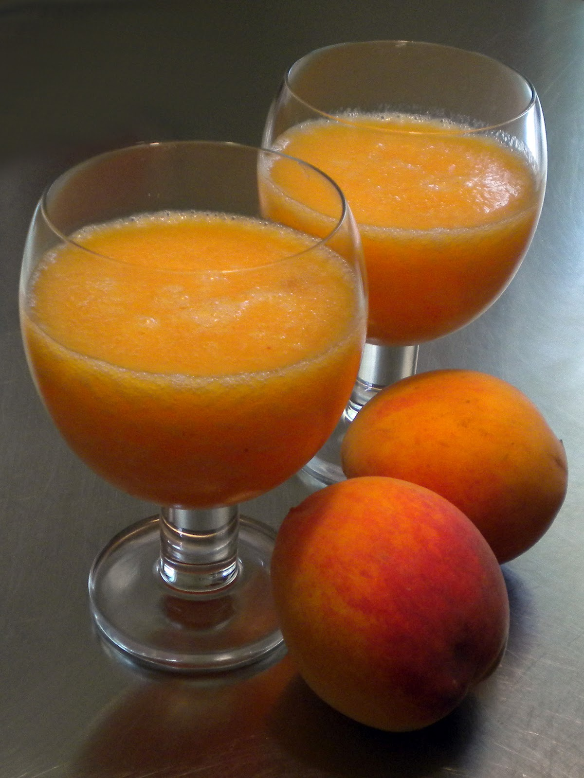 Light Rum, Lime Juice, Sugar, Fresh Peaches