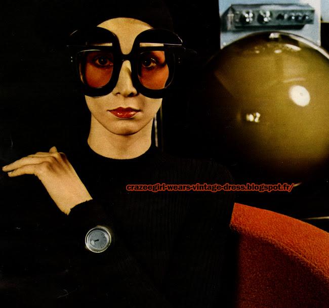 Pierre Cardin - 1972 glasses big eye watch  70s 1970