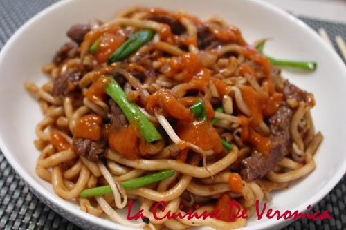 La Cuisine De Veronica 乾炒牛肉烏冬