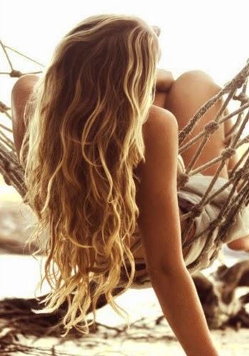 Trucos para cuidar el pelo en la playa
