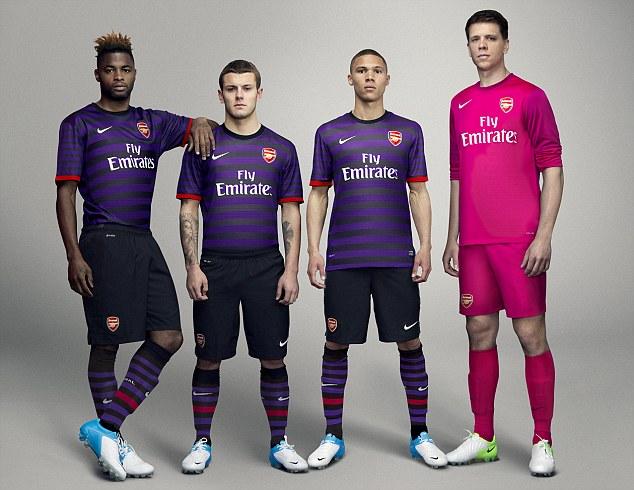 Equipación / uniforme / camiseta Arsenal 2012-2013 visitante Nike