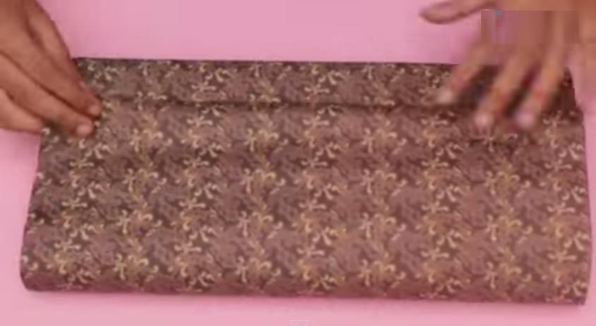 Tips Unik Membungkus Kado Berbentuk Kemeja