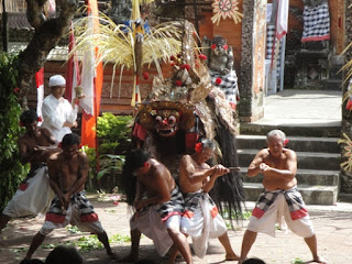 Batubulan village Bali stone carving