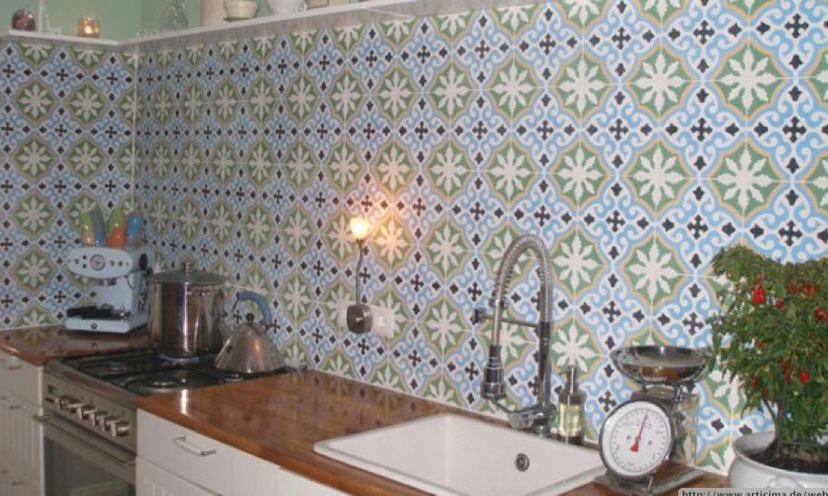 Fliesenspiegel kuche beispiele raum und m beldesign for Fliesenspiegel plexiglas