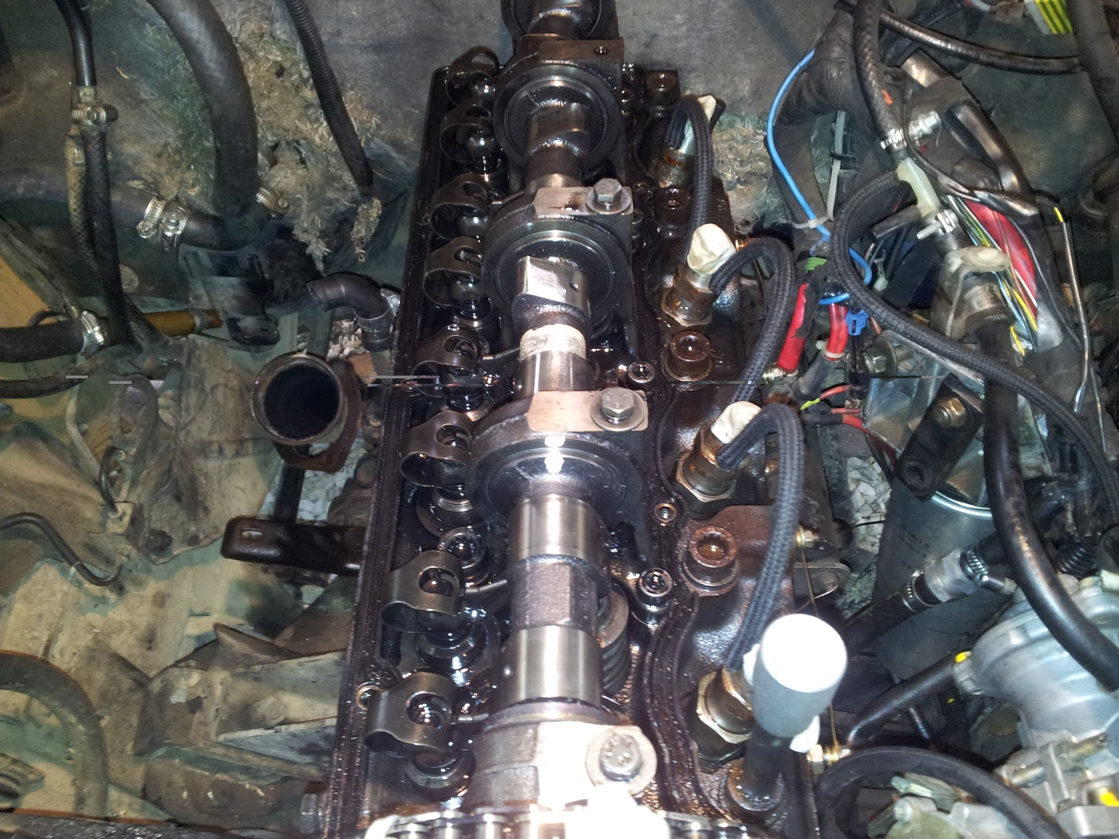 Bad Cylinder Head : Opel frontera a bad head gasket part removing