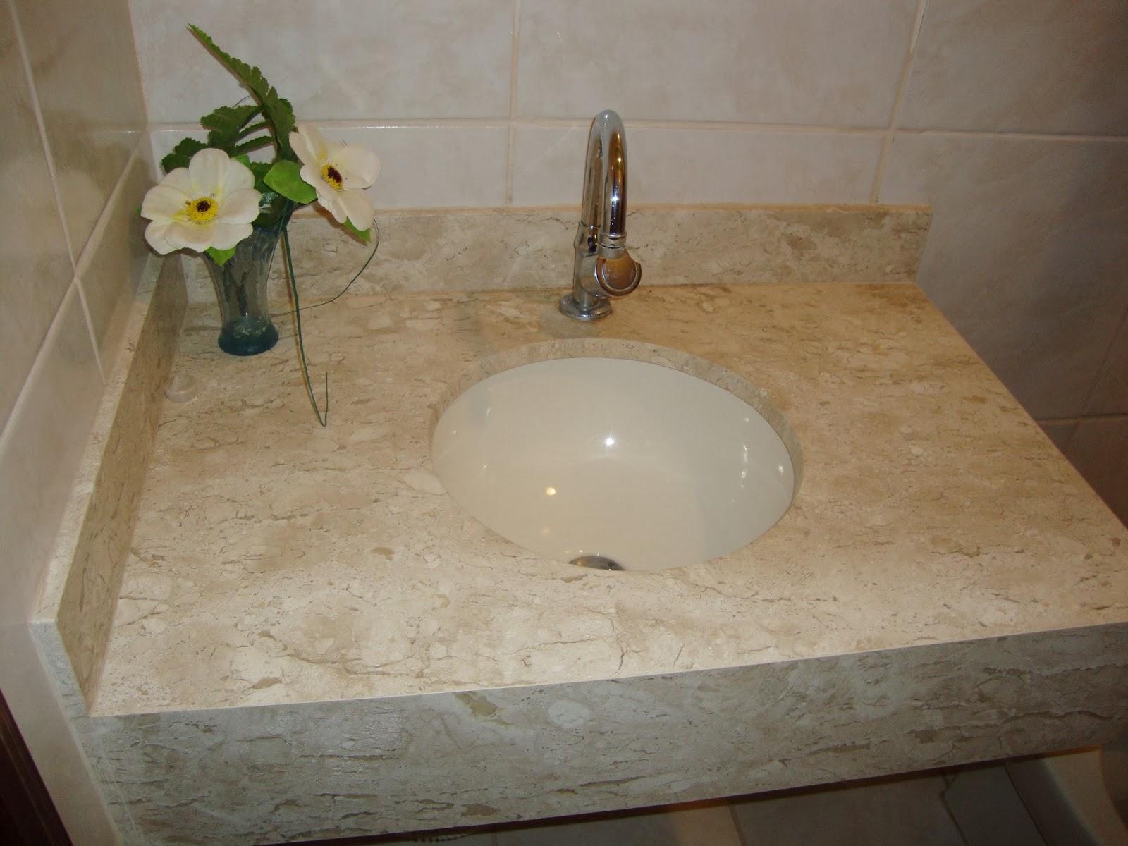Lavatório em mármore Bege Bahia com acabamento em meia esquadria. #AF950E 1600x1200 Banheiro Com Pedra Bege Bahia